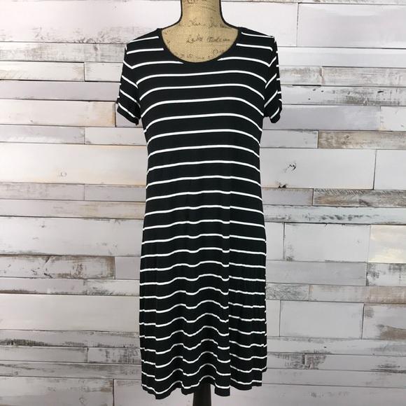 57a042029eba3 Liz Lange Maternity Tee Shirt Dress Black White M.  M_5b15721d035cf149b286abef